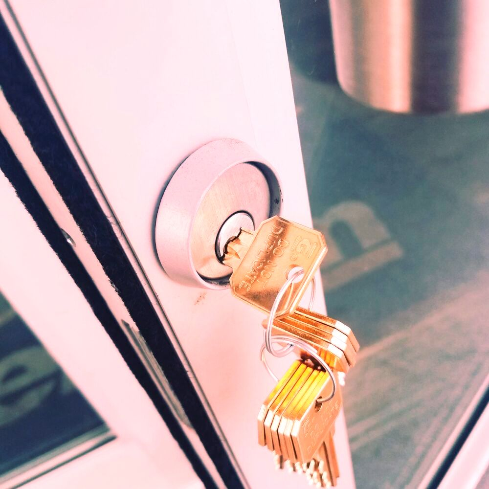 us lock doc garage doors